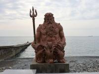 Сочи, улица Приморская. скульптура Нептун