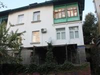 Сочи, улица Учительская, дом 13А. многоквартирный дом