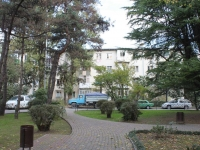 Сочи, улица Гагарина, дом 42. многоквартирный дом