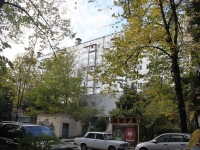 Sochi, Krasnoarmeyskaya st, house 19. Apartment house