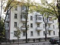 Sochi, Krasnoarmeyskaya st, house 22. Apartment house