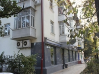 Sochi, Krasnoarmeyskaya st, house 26. Apartment house