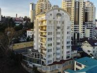 Сочи, улица Красноармейская, дом 2. жилой дом с магазином