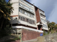 Sochi, Pionerskaya st, house 33. Apartment house