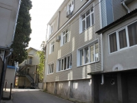 Sochi, Pionerskaya st, house 61. Apartment house