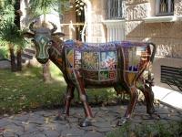 Сочи, улица Конституции СССР. скульптура Священная корова