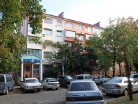 Sochi, Roz st, house 14. Apartment house