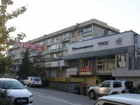 Sochi, st Makarenko, house 11. Apartment house with a store on the ground-floor