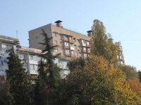 Sochi, Makarenko st, house 20. Apartment house