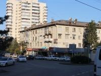 Сочи, улица Чебрикова, дом 7. жилой дом с магазином