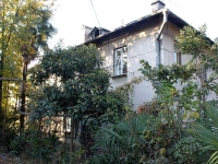 Сочи, улица Чебрикова, дом 12. многоквартирный дом