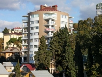 Sochi, Griboedov st, house 1. Apartment house