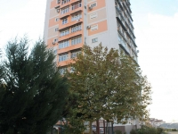 Sochi, Timiryazev st, house 14. Apartment house
