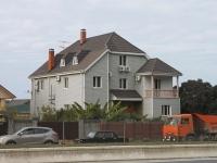 Сочи, гостиница (отель) У Сусанны, улица Ленина (Адлер), дом 131