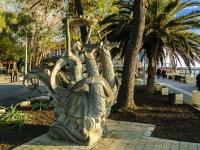 Сочи, улица Просвещения. скульптура Повелительница морей