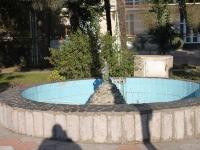 Сочи, улица Просвещения. фонтан
