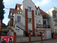 Sochi, Kuybyshev st, house 17А. Apartment house