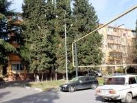 Сочи, улица Свердлова (Адлер), дом 73. многоквартирный дом