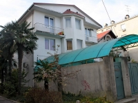 Sochi, st Chernigovskaya, house 14. Apartment house