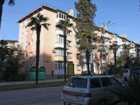 Sochi, 50 let SSSR st, house 19. Apartment house