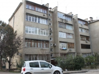 Sochi, Vozrozhdeniya st, house 10. Apartment house