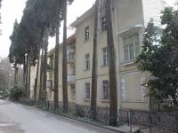 Сочи, улица Ворошиловская, дом 13. многоквартирный дом