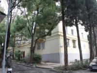 Сочи, улица Ворошиловская, дом 20. многоквартирный дом