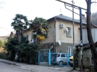 Sochi, Glazunov st, house 12. Apartment house