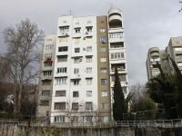 Сочи, улица Есауленко, дом 4 к.1. многоквартирный дом