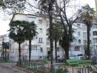 Sochi, Krasnykh Partizan st, house 10. Apartment house
