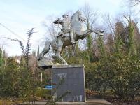 Сочи, скульптура КрасноармеецСухумское шоссе, скульптура Красноармеец