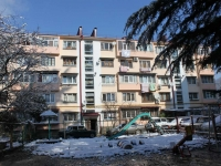 Sochi, Truda st, house 10. Apartment house