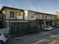 Сочи, улица Одоевского (п. Лазаревское), дом 81А. многоквартирный дом