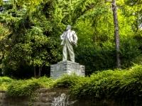 Сочи, улица Победы (п. Лазаревское). памятник В.И. Ленину