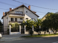 Sochi, st Pobedy, house 4. Private house