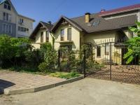Сочи, улица Единства (п. Лазаревское), дом 32. индивидуальный дом