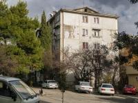 Сочи, улица Партизанская (п. Лазаревское), дом 14. многоквартирный дом