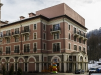 Сочи, улица Горная (Красная Поляна), дом 1. многофункциональное здание