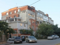 Anapa, 40 let Pobedy st, house 36. Apartment house