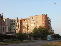 Anapa, 40 let Pobedy st, house 38. Apartment house