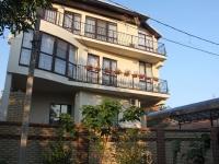 Анапа, Береговой переулок, дом 8. многоквартирный дом