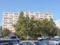 Анапа, улица Толстого, дом 136. многоквартирный дом