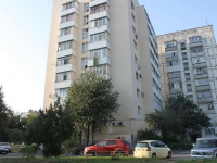 Анапа, улица Крылова, дом 10. многоквартирный дом