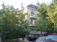 Anapa, Kirov st, house 44. Apartment house