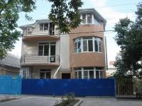 """Анапа, улица Тургенева, дом 285. гостевой дом  """"Фиалка"""""""