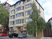 Anapa, st Krasno-zelenykh, house 27. Apartment house