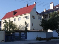 Anapa, Severnaya st, house 26. Apartment house