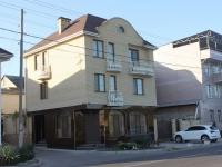 Anapa, Severnaya st, house 38. Apartment house