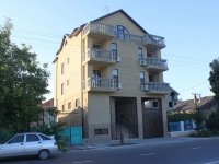 Anapa, Severnaya st, house 55. Apartment house