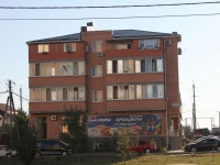Anapa, Ob'ezdnaya st, house 25А. Apartment house with a store on the ground-floor